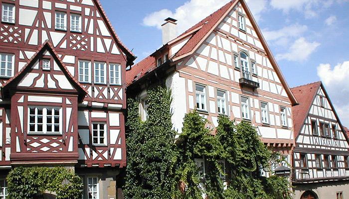 Многоэтажные фахверк дома