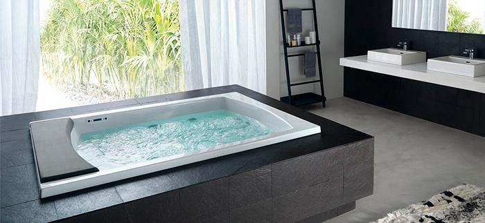 Интерьер ванной в коттедже