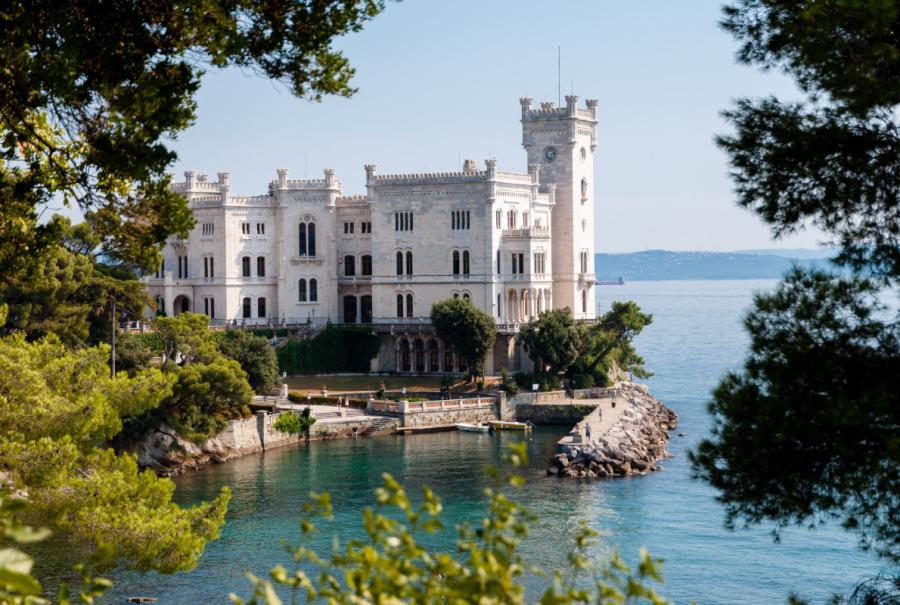 Miramare Castle - Италия