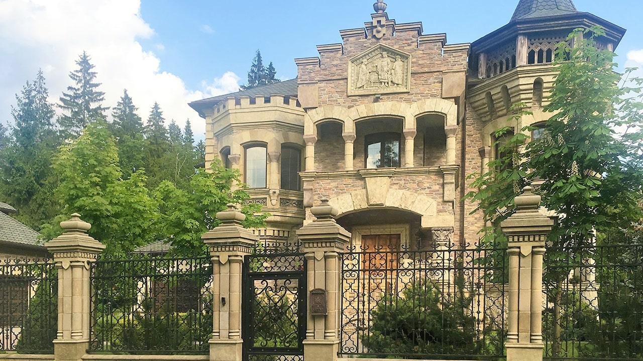 Строительство дома замка